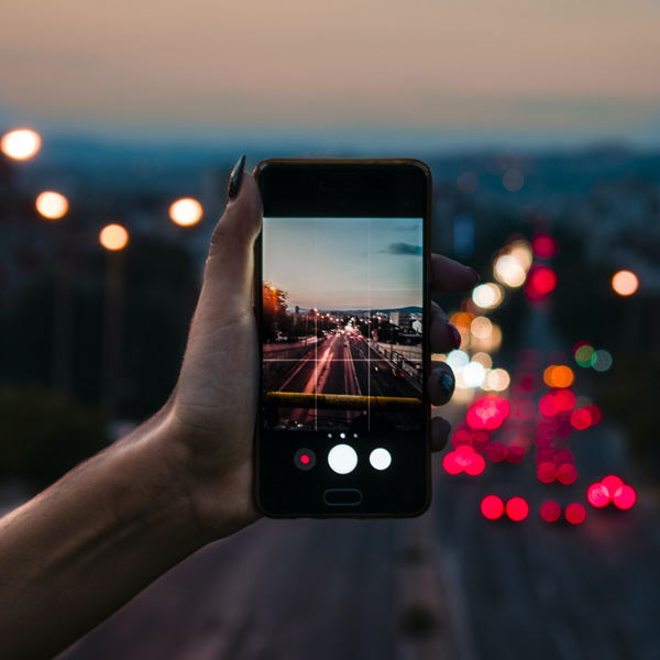 optical-vs-digital-zoom-smartphone-hybrid-zoom